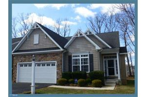 4374 Sweetbriar Dr, Collegeville, PA 19426
