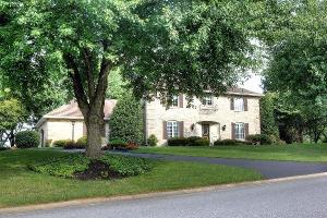 596 Northlawn Dr, Lancaster, PA 17603