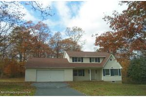 163 Mountain Laurel Dr, Forest City, PA 18421