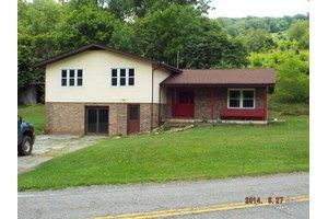 1371 Freestone Valley Rd, Tannersville, VA 24377