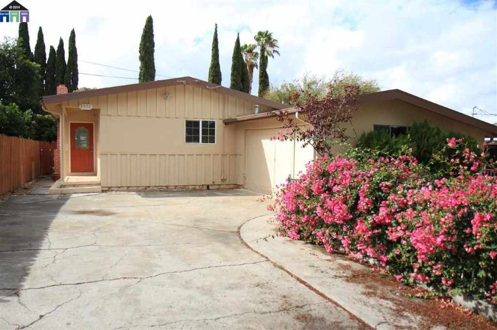 3376 betty ln pittsburg ca 94565 for Kitchen cabinets 94565