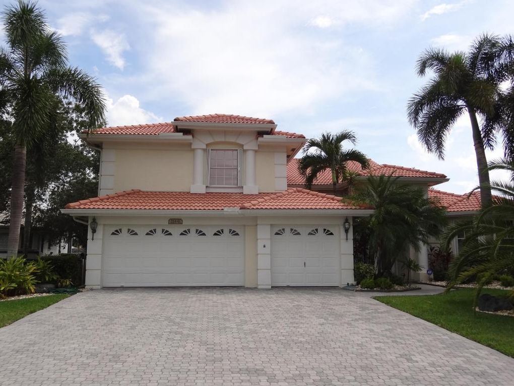 21441 Crestfalls Ct Boca Raton, FL 33428