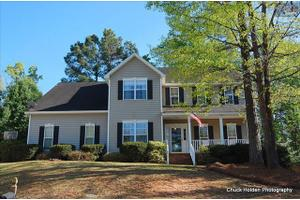 137 Groves Wood Ct, Columbia, SC 29212