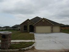 937 Sw 15th St, Moore, OK 73160