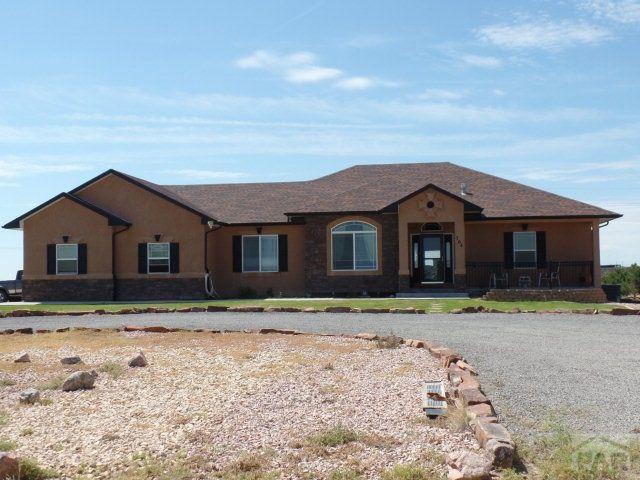 704 e woodleaf dr pueblo west co 81007