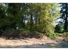 1550 Iowa Ave, Coos Bay, OR 97420