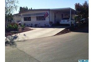 1300 W Olson Ave Spc 65, Reedley, CA 93654