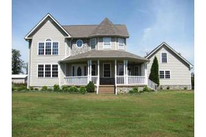 2828 Cooley Ford Rd, Tennessee Ridge, TN 37178