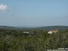 Damar Cv, Startzville, TX 78133