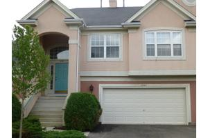 3067 Lexington Ln, Glenview, IL 60026