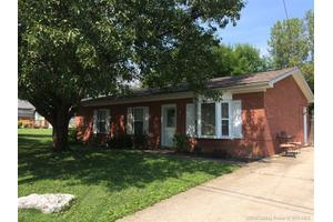 3911 Booker Ave, New Albany, IN 47150
