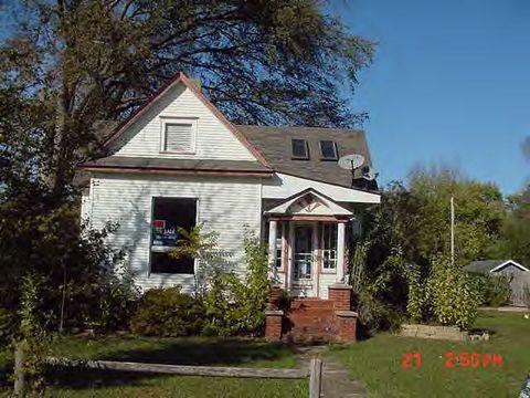 Photo of 180 W Montgomery St, Niantic, IL 62551