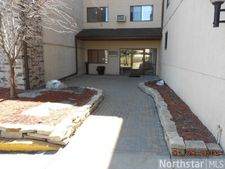 221 Grand Ave W Apt 213, South St. Paul, MN 55075