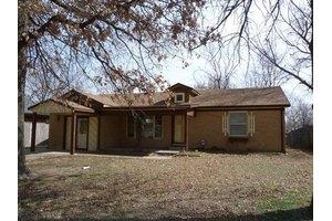 1304 N Saint Paul St, Wichita, KS 67203