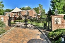 720 Apple Ridge Rd, Franklin Lakes, NJ 07417