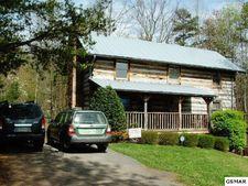 760 Fox Hollow Rd, Gatlinburg, TN 37738