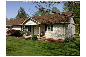 107 Hillcrest Ter, Danville, WV 25053