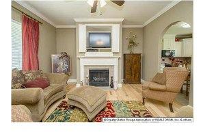 1041 Villa Dr, Baton Rouge, LA 70810