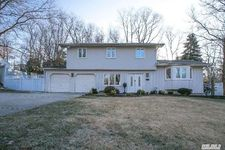 85 Willow St, Wyandanch, NY 11798