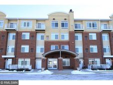 649 Old Highway 8 Nw Apt 431, New Brighton, MN 55112