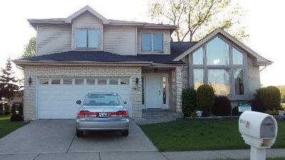9000 Milford Ct, Hickory Hills, IL