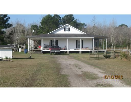 3940 Charlie Hudson Rd, Moss Point, MS 39562