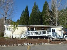27 Ashwood Ln, Idleyld Park, OR 97447
