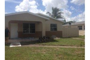 2728 Florida St, West Palm Beach, FL 33406