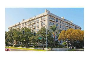 425 N Maple Dr Unit 303, Beverly Hills, CA 90210