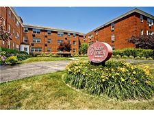 3208-3210 Warrensville Center Rd Unit 3Br, Shaker Heights, OH 44122