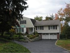 13 Powder Horn Way, Tarrytown, NY 10591