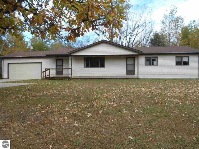 5817 s huron rd pinconning mi 48650 home for sale and real estate listing