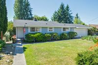 3130 Sylvan Dr W, University Place, WA 98466
