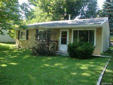 287 Glenmoor St, Northfield Township, MI 48189