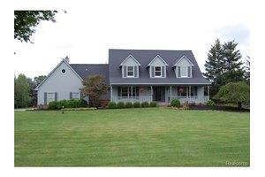 8489 Ranch Estates Rd, Independence Twp, MI 48348