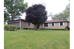2530 N Bonnie Brook Ln, Waukegan, IL 60087