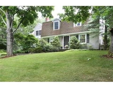 43 Circuit Ave, Westwood, MA 02090