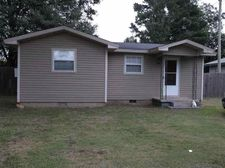 804 Walker St, Lake City, AR 72437