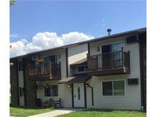 3695 Indian Run Dr, Canfield, OH 44406