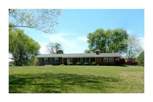 1039 N And South Rd, Sullivan, MO 63080