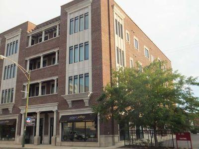 2401 N Janssen Ave Apt 302, Chicago, IL