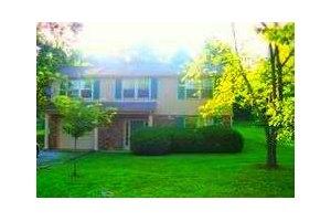521 Rotary Hills Ct, Clarksville, TN 37043