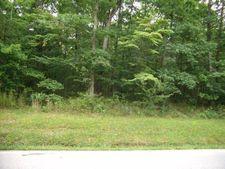 174 Meadowview Dr, Crossville, TN 38558