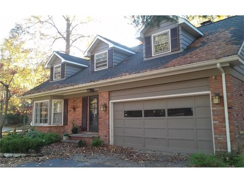 482 Greenhaven Dr, Chagrin Falls, OH 44022