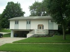 701 N 20th St, Denison, IA 51442