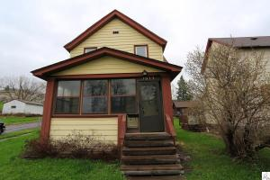 2923 Exeter St, Duluth, MN 55806