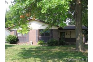 65 Foresters Ln, Springfield, IL 62704