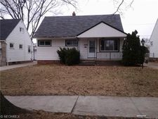 12328 Woodward Blvd, Garfield Heights, OH 44125