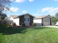 322 Sir Gawaine Dr, Schererville, IN 46375