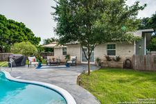 9106 Oak Downs Dr, San Antonio, TX 78230